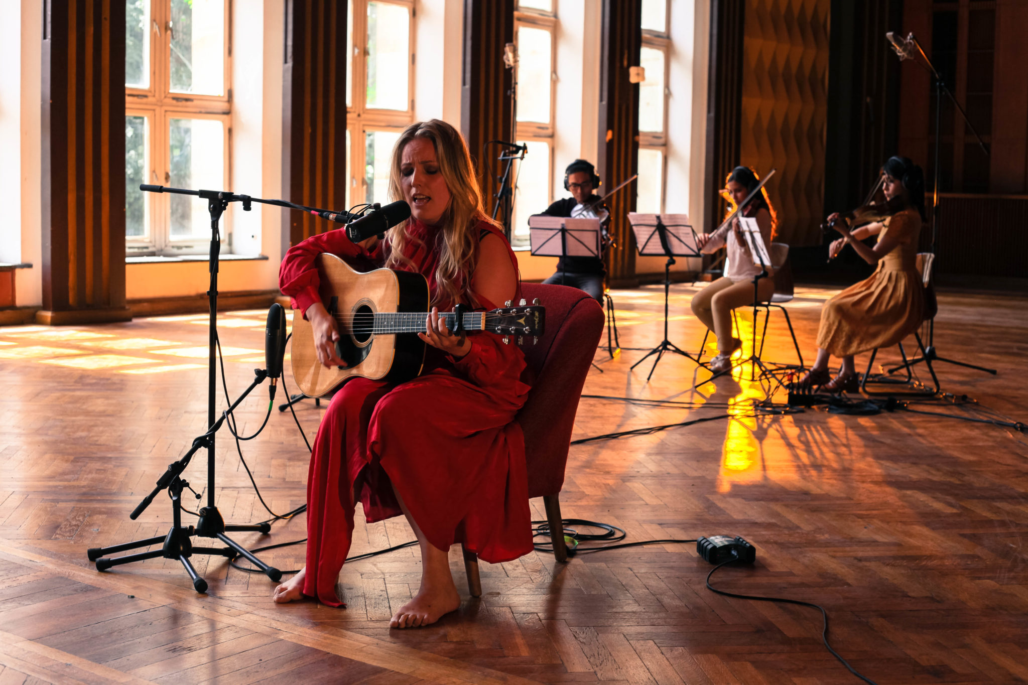 Singer, Composer & Producer Cecilie Sadolin Performs Live For Studio Sessions
