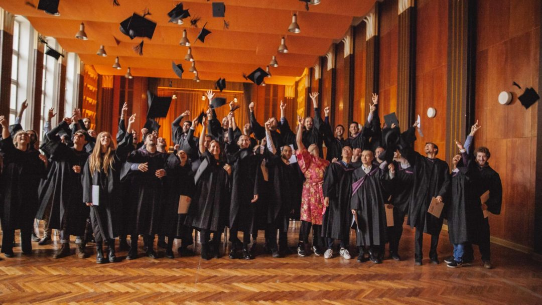Picture Stories: We Celebrate Our Students' Success at Graduation 2018   dBs Berlin