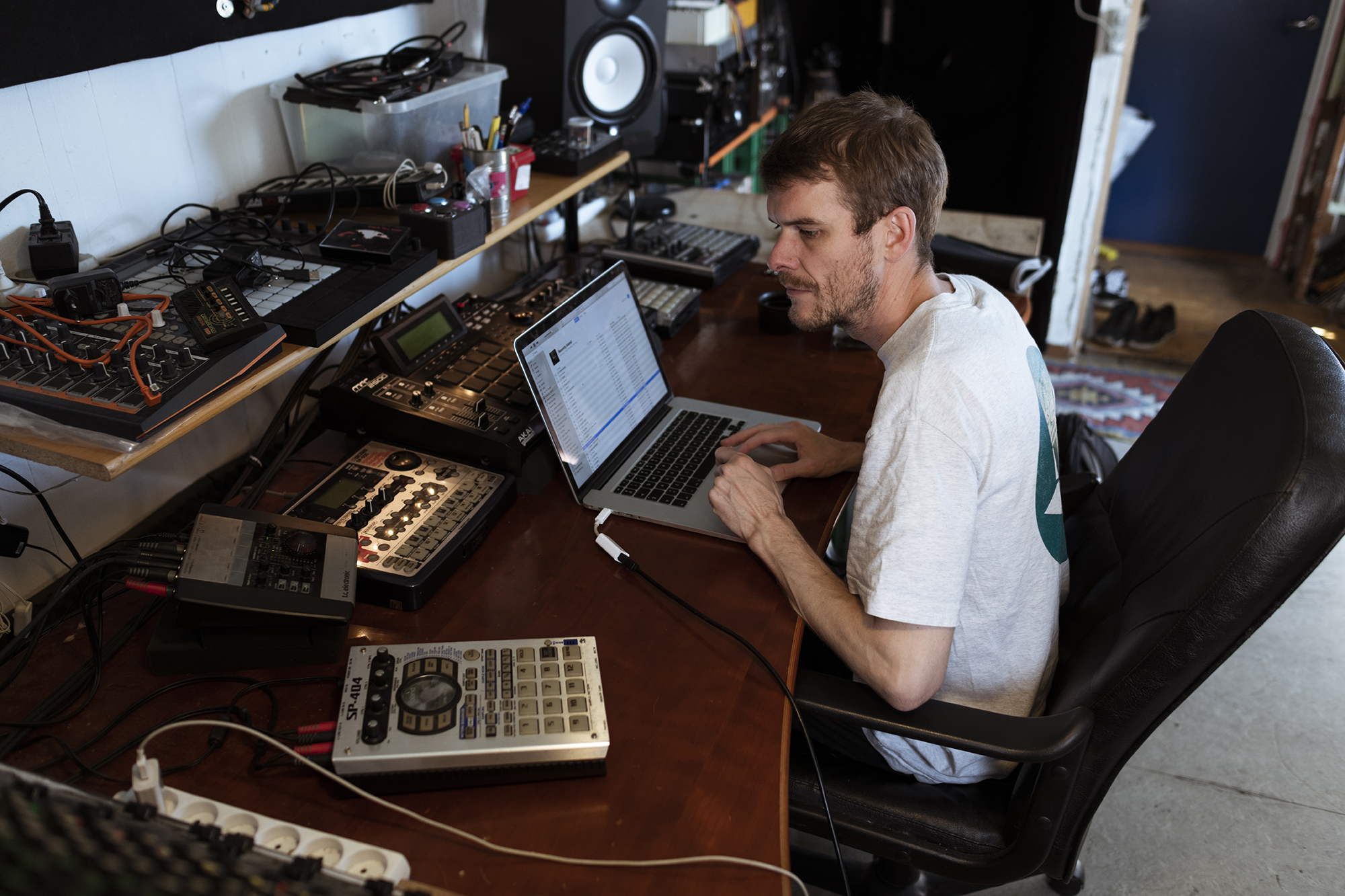 Where Are They Now? Electronic Music Alumnus Shatter Hands on the Creative Process